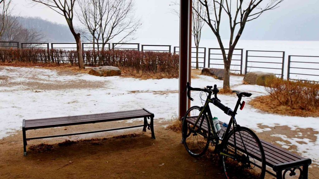 A picture of a bike on the Hangang Bike Path near Hanam.