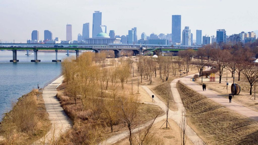 Seoul Skyline and National Assembly from Yanghwa Hangang Park (양화한강공원) along the Han River in Seoul.