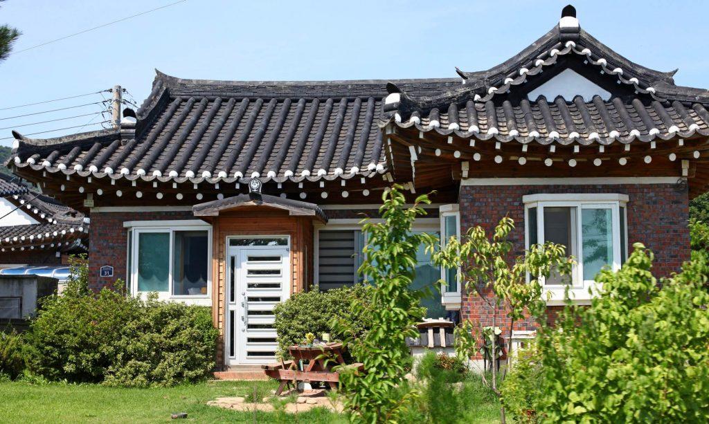 A hanok style house near the city of Daejin along the Gyeongbuk Bike Path in South Korea.