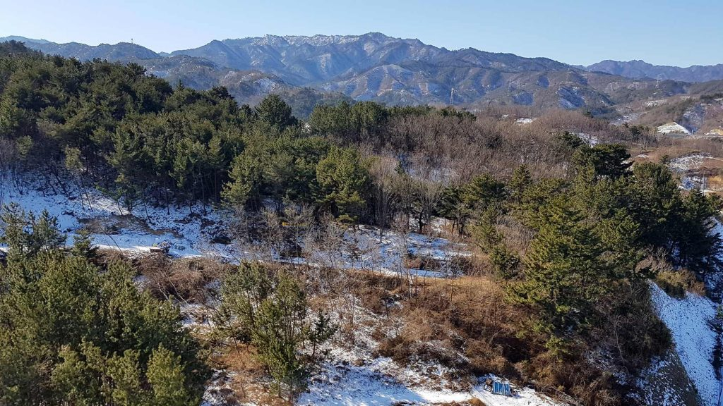 The snow covered hills near Samcheok (삼척) along the East Coast Bike Path.