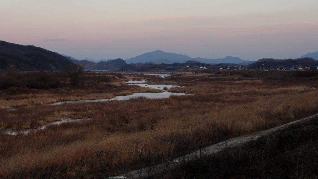 An estuary to the Hang River along the Hangang Bike Path.