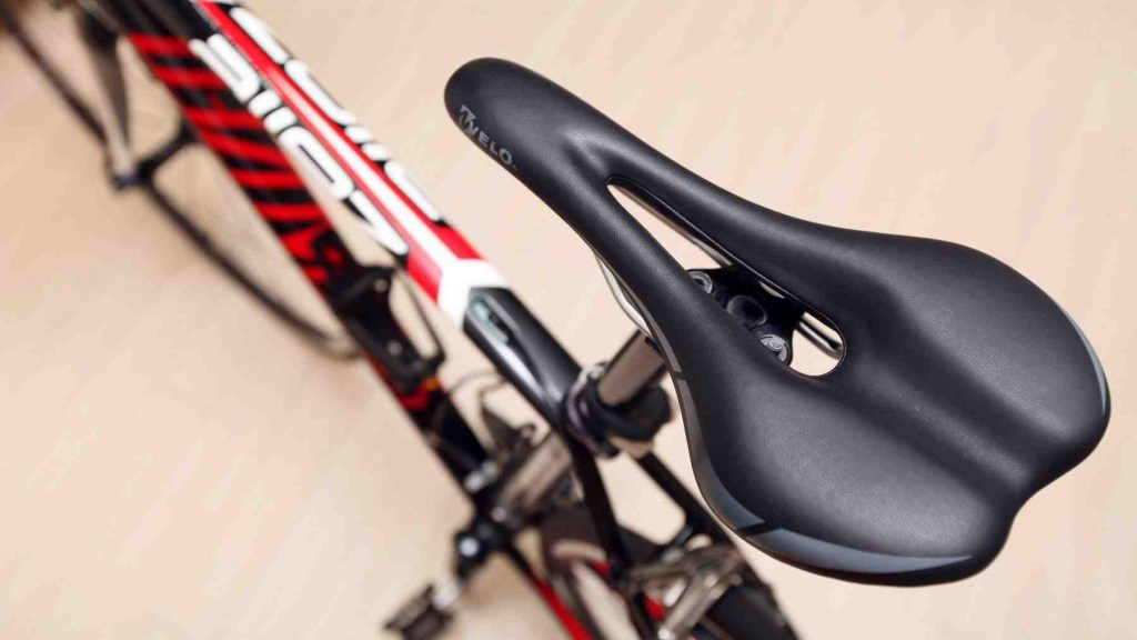 A picture of a bike saddle.