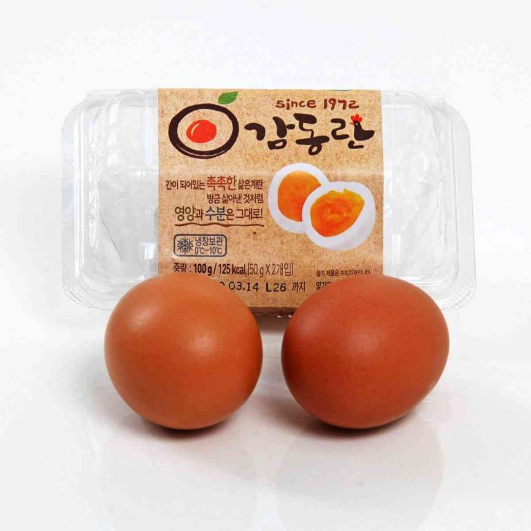 A picture of boiled eggs from a Korean convenience store.