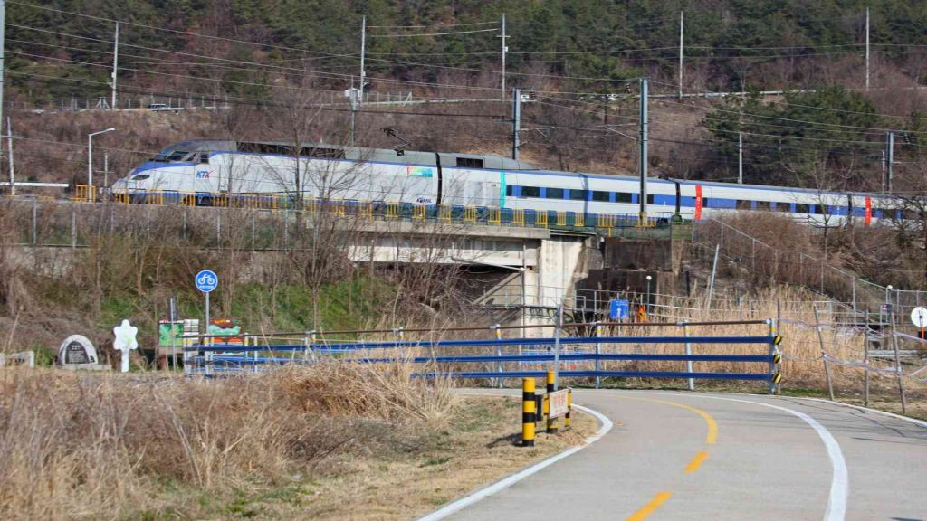 A picture of the KTX near the city of Yangsan in South Korea.