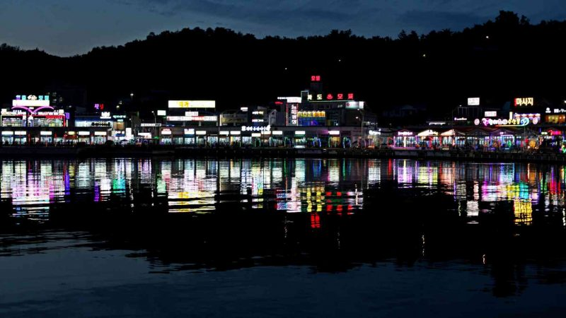 Gangneung ⟷ Sokcho Restaurants and Calm Bay
