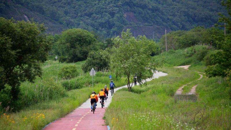 Geumgang Bike Path - Daejeon Buyeo - Bikers and Winding Path near Sejong