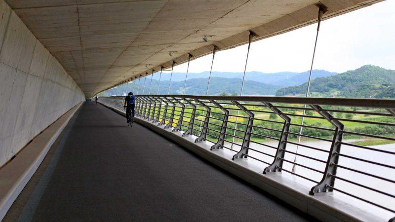 Geumgang Bike Path - Daejeon Buyeo - Haknarae Bridge Crossing