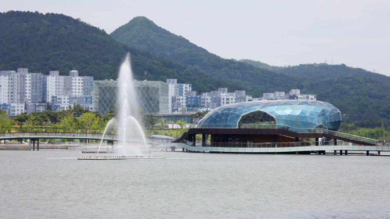 Geumgang Bike Path - Daejeon Buyeo - Stage Island in Sejong Lake Park