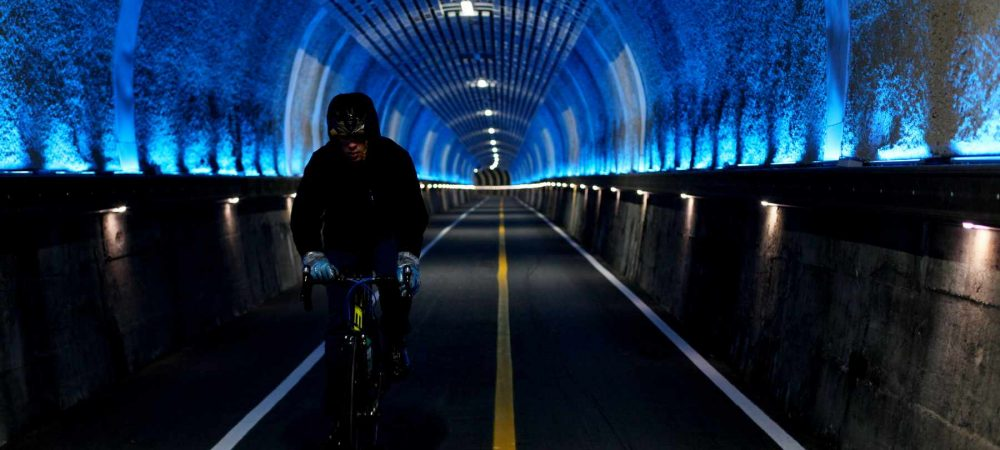 A rider in the Wonbok Tunnel (원복터널) on the Hangang Bike Path.