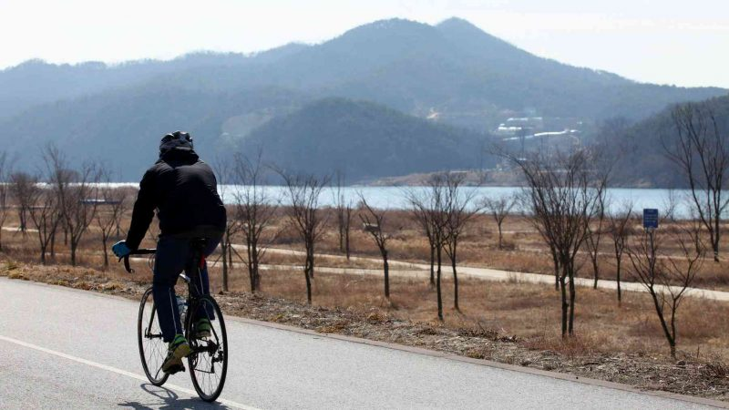 Hangang-Bike-Path-Yeoju-Chungju-Bike-Path-Rider
