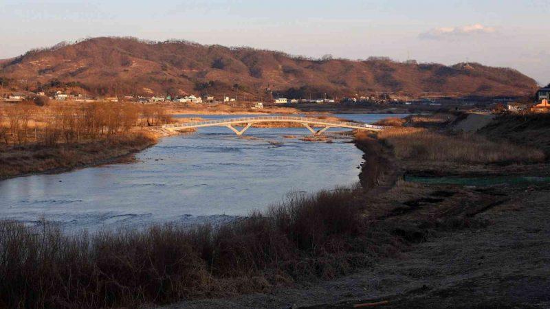 Hangang-Bike-Path-Yeoju-Chungju-Bridge-and-Island