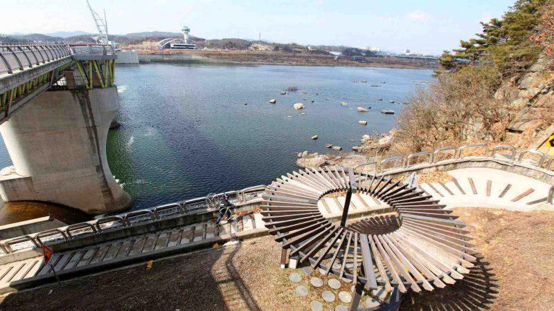 Hangang-Bike-Path-Yeoju-Chungju-Gangcheon-bo-and-Stairs
