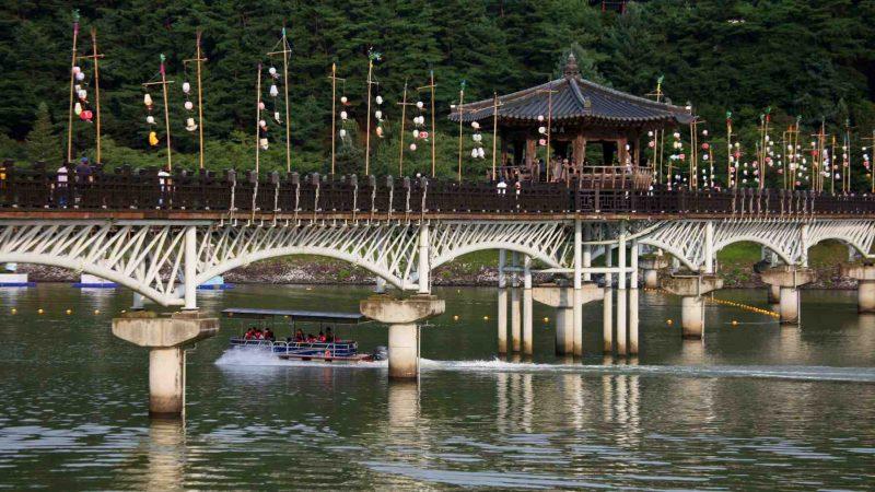 Nakdonggang Bike Path - Andong Sangju - Woryeonggyo Bridge and Boat