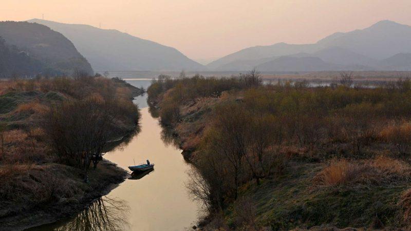 Nakdonggang-Bike-Path-Daegu-Namji-Boat-on-River-Estuary