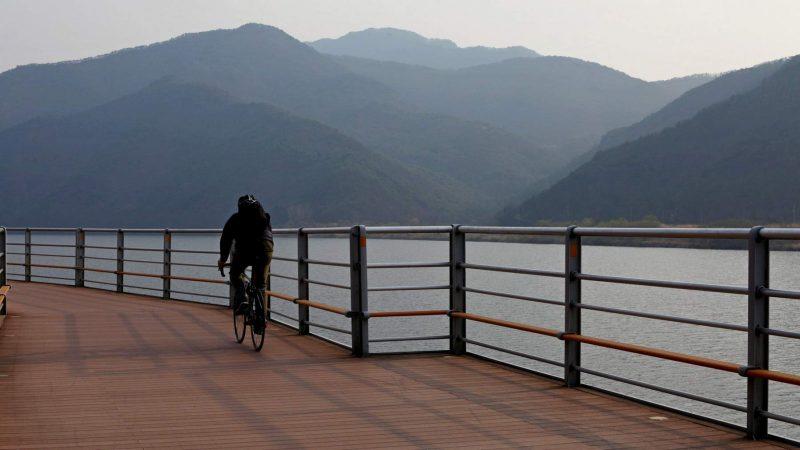 Nakdonggang Bike Path - Namji Busan - Rider on Raised Platform