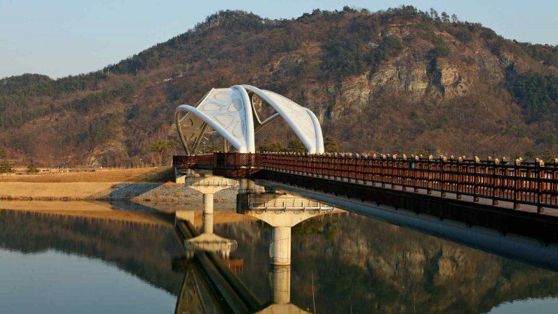 A walking bridge to an island park near Sangju along the Cross-Country Bike Path in South Korea.