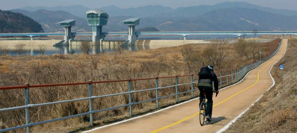 Nakdonggang-Bike-Path-Sangju-Gumi-Gumi-bo-Path-and-Rider-Close