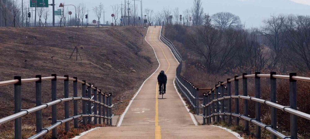 Nakdonggang-Bike-Path-Sangju-Gumi-Long-Path-and-Biker