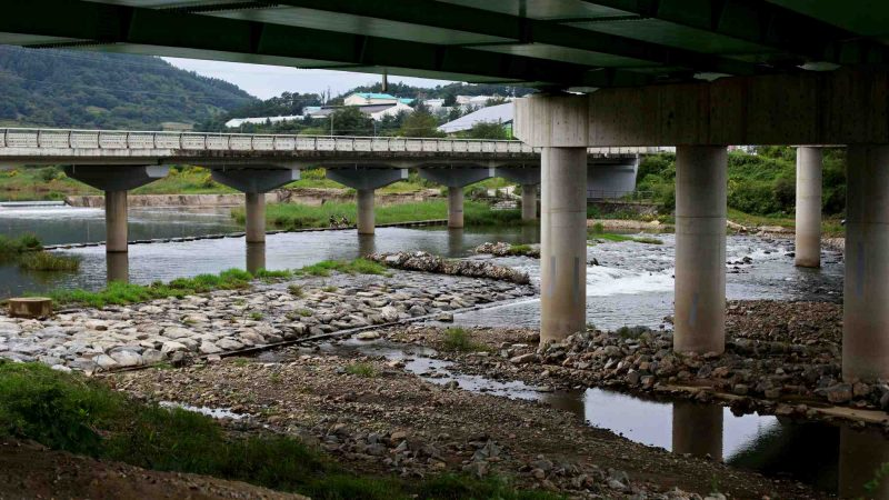 Ocheon Bike Path - Yeonpung Jeungpyeong - Bridges over Dongjin Stream