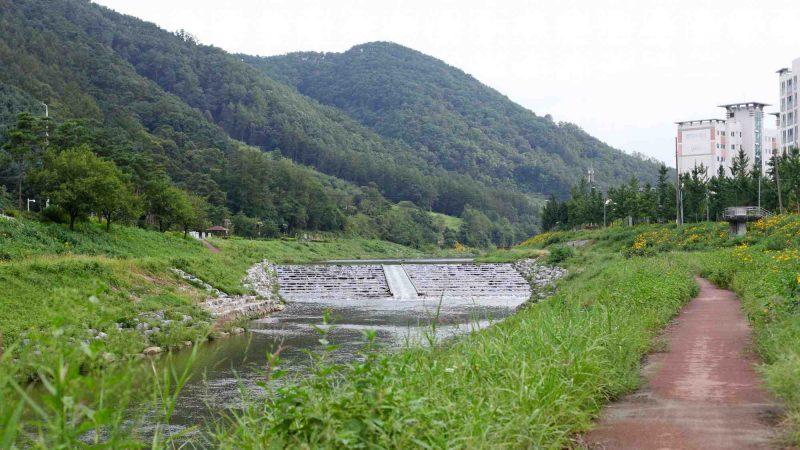 Ocheon Bike Path - Yeonpung Jeungpyeong - Seonghwang Stream in Goesan