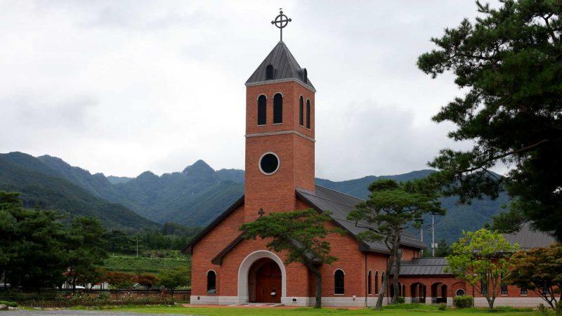 Ocheon Bike Path - Yeonpung Jeungpyeong - Yeonpung Seongii Catholic Cathedral