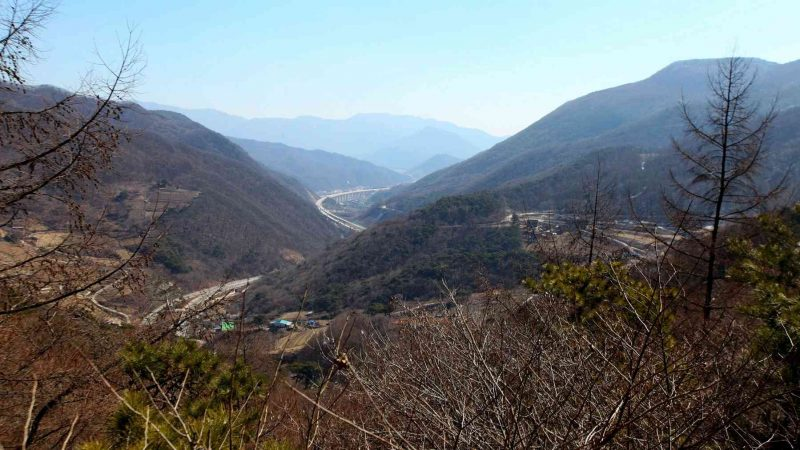 Saejae-Bike-Path-Chungju-Sangju-Ihwaryeong-Pass-Mountain