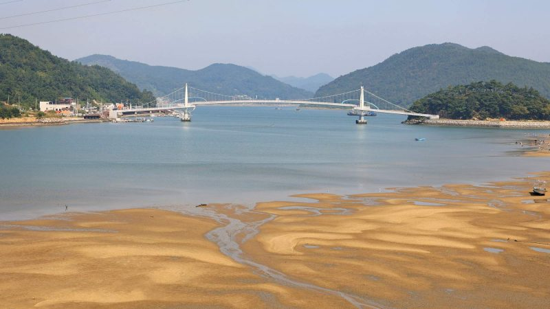 Seomjingang Bike Path - Gokseong Gwangyang - Baealdo Waterfront Park Bridge Island and Short