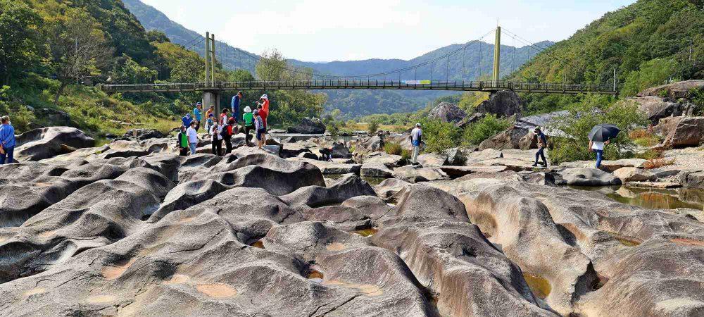 Seomjingang Bike Path - Imsil Gokseong - Janggunmok Rock Field People