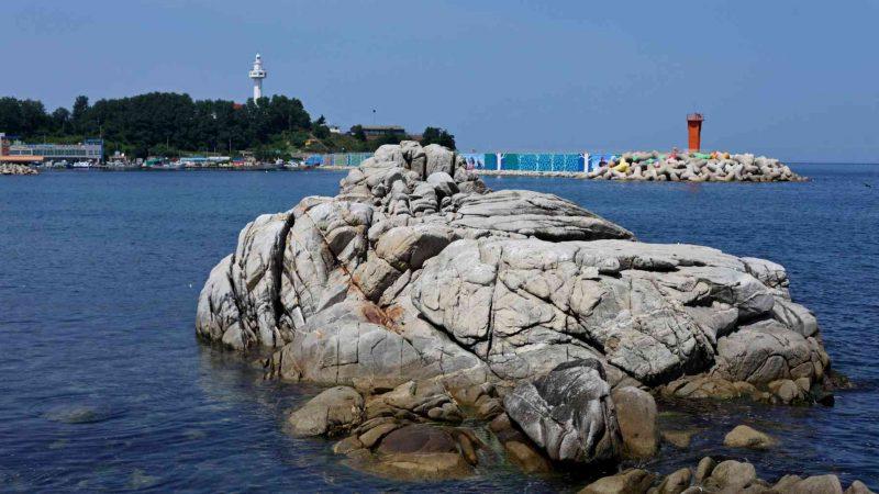 Sokcho ⟷ Daejin Rock in Ocean Lighthouse