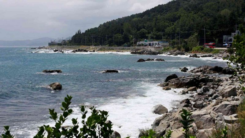 Yeongdeok ⟷ Uljin Coast and Rocks
