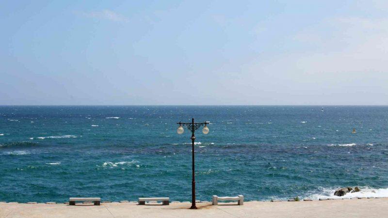 Yeongdeok ⟷ Uljin Lamp Post and Ocean